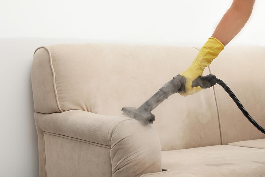 Polstermöbel mit Dampf reinigen